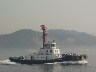 3,100 PS Harbour tug boat for sale